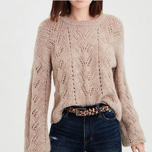 💕NWT💕 AE CREW NECK CROPPED SWEATER